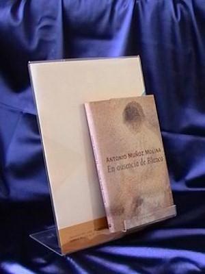 Expositor de metacrilato para libros con portacartel A4 700001