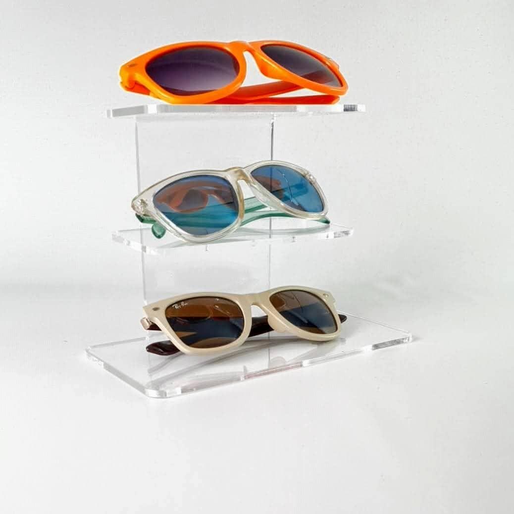 Expositor de metacrilato para 3 gafas alto 13.5 cm